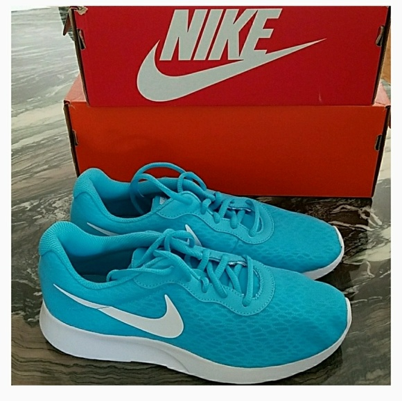 Women s Nike Tanjun BR Turquoise Running Shoes 06a8c22d2a
